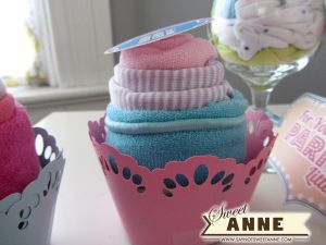 Easy to make Baby Shower gifts and free printable!