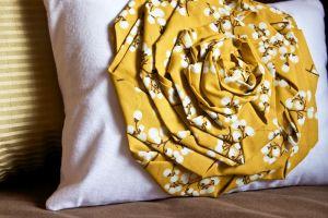 Make a pillow rosette