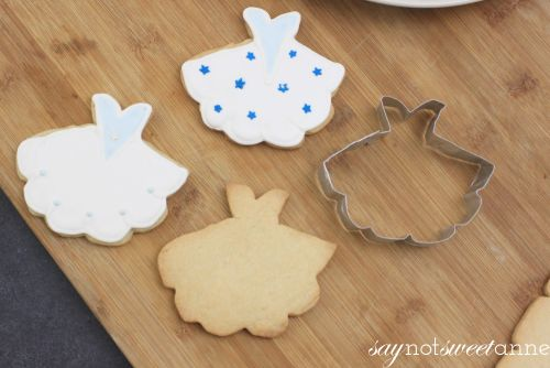 DIY Cookie Cutter - Make a Cookie Cutter without glue! Take a few minutes and make something unique and reusable!