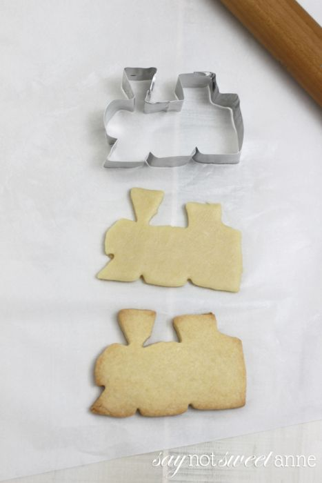 How To Make a Cookie Cutter - DIY and without glue! Take a few minutes and make something unique and reusable!