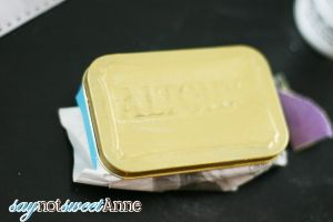 Glitter Altoids Tin and Mints at saynotsweetanne.com