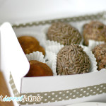 Easy Cookie Dough Truffles - No Chocolate Dipping! | via Saynotsweetanne.com