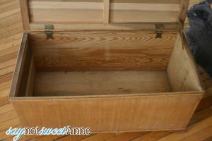 Almost Instant Weathered wood- Upcycling an old chest.