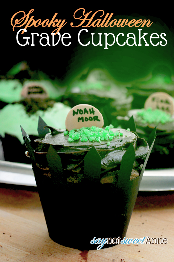 Easy to make Halloween Cupcakes! + Cut file for fence cupcake wrappers! #halloween #cupcakes #cute #party via Saynotsweetanne.com