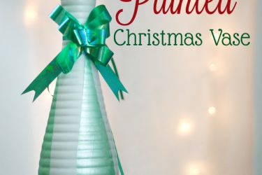 Tree Painted Christmas Vase - Paint crisp lines even on textured surfaces! | saynotsweetanne.com | #diy #TexturedSurface #Christmas