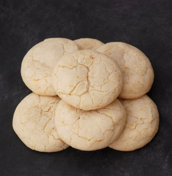 These Clementine Crinkle Cookies are sweet, summery and citrusy -- and so easy to make!