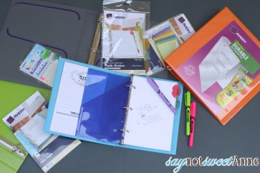 How to Organize for School with Binders. BONUS Custom Printable Binder Covers in Two Sizes! | Saynotsweetanne.com | #backtoschool #organize #printable #avery