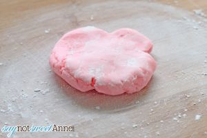 Easy DIY Soft Candies + Printable Valentine Tags by Saynotsweetanne.com
