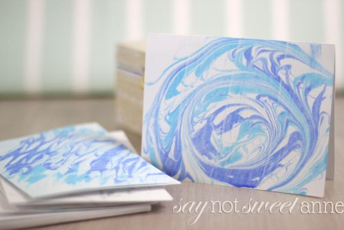 Easy DIY Marbled Paper! Make a lovely stationary set to give away - perfect for kids to make for teachers or Mom. | saynotsweetanne.com