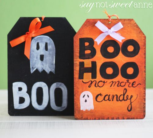 Easy DIY Wooden Halloween Door Sign! Perfect as a decoration for the season, but it can also be used to tell Trick-Or-Treaters there is no candy left! | saynotsweetanne.com