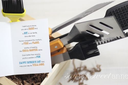 Cute and Punny Printable Father's Day card! Grill themed original poem is sure to make him chuckle! | saynotsweetanne.com