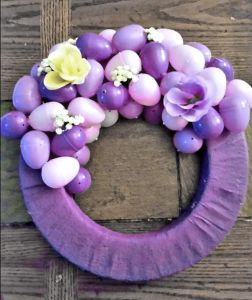 beautiful and easy easter egg wreath made from low cost materials and perfect for spring