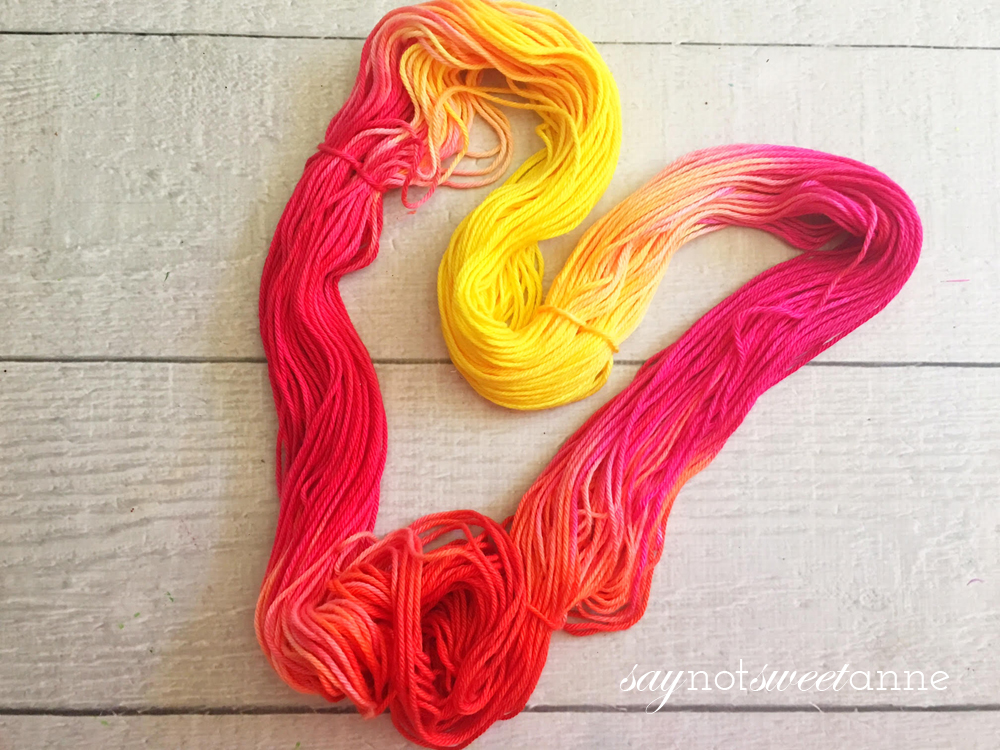 How to Dy Yearn - a great gift for any crafter, or a nice way to spice up your string crafts! | saynotsweetanne.com