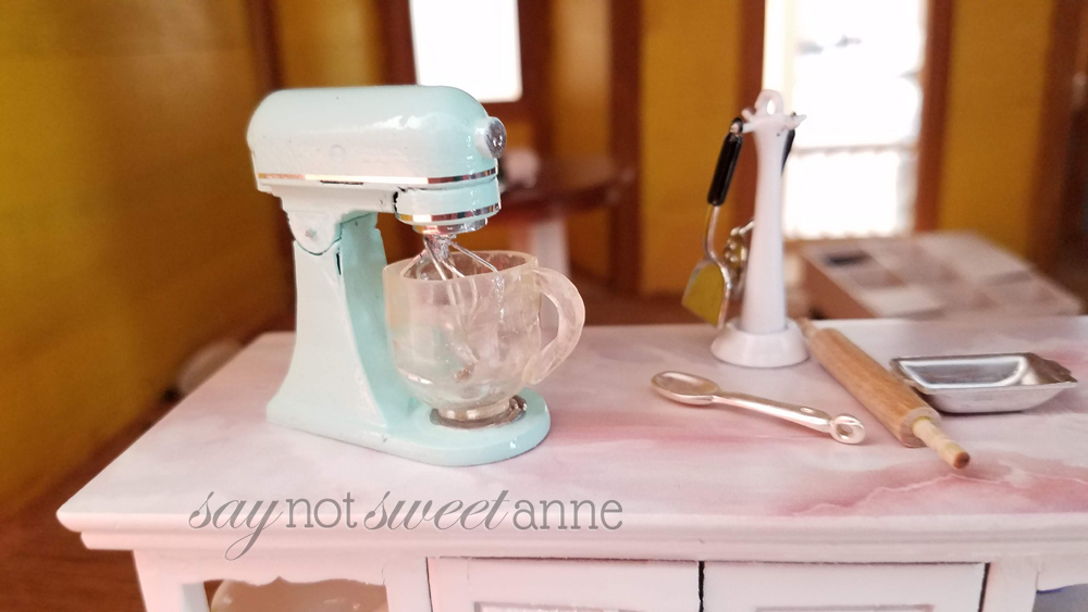 Hand Crafted Kitchenaid Mixer in 1:12 and 1:6 scale | saynotsweetanne.com